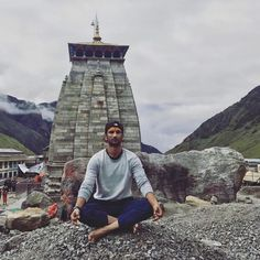 Bollywood Actors, Bollywood Celebrities, Shiva Lord Wallpapers, Sivakarthikeyan Wallpapers, Om Namah Shivay, Throwback Pictures, U Turn, Cricket Match, Sushant Singh