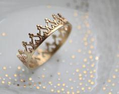 Une couronne pour une reine. Bague en vermeil 22k par LUNATICART