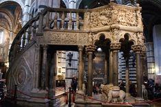 Púlpito de la catedral de Siena, siglo XIII. Realizado por Nicola Pisano, junto con su hijo Giovanni Pisano y Arnolfo di Combo.