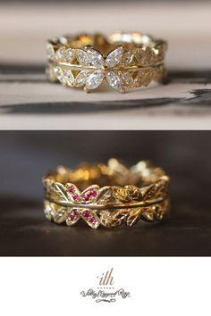 ゴールドでお作りした婚約指輪。 リングのトップに大きなマーキスダイヤモンドを4ピース。 その反対側には、ルビーを8ピース葉っぱの形に彫り留めしました。   表と裏で表情が違うので、どちらを正面にしても素敵ですね。 [婚約指輪,エンゲージリング,engagement,wedding,ring,gold,ダイヤモンド,diamond,K18]