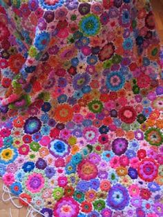 What a great alternative to the granny square and so reminds me of the 60's I gotta start one of these
