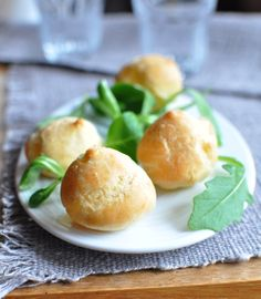 Gougère au Chaussée aux Moines - Envie de Bien Manger http://www.enviedebienmanger.fr/fiche-recette/recette-gougere-au-chaussee-aux-moines #aperitif #fromage #apero