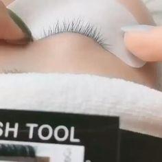 Eyelash Extensions Classic, Volume Lash Extensions, Eyelashes Tutorial, Eyelash Technician, Beauty Lash, Eyelash Tips, Eyelash Logo, Black Lashes, Creative Eye Makeup