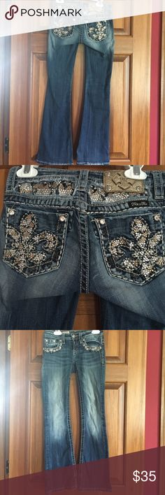 Girls size 10 boot cut Miss Me jeans Girls size 10 boot cut Miss Me jeans. My daughter loved these jeans! Miss Me Bottoms Jeans