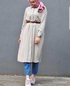 Genç Tesettür Modern Hijab Fashion, Street Hijab Fashion, Muslim Women Fashion, Fashion Outfits, Hijab Style, Hijab Chic, Outfit Look, Casual Hijab Outfit, Stylish Dress Designs