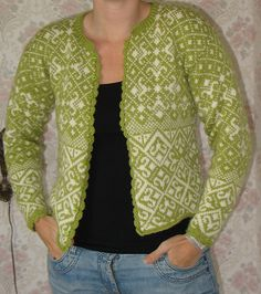 Ravelry: Noors vest / Norwegian cardigan pattern by Jessica Tromp FREE Knitting Machine Patterns, Sweater Knitting Patterns, Cardigan Pattern, Knitting Charts, Knitting Stitches, Knitting Designs, Knitting Projects, Fair Isle Chart, Norwegian Knitting