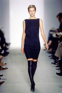 Calvin Klein Collection Fall 1997 Ready-to-Wear Fashion Show - Stella Tennant