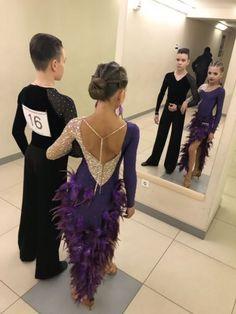 24 Super Ideas For Dress Dance Photography Ballroom Costumes, Dance Costumes, Girl Dancing, Swing Dancing, Beige Prom Dresses, Latin Ballroom Dresses, Skating Dresses, Dance Photography, Dance Outfits