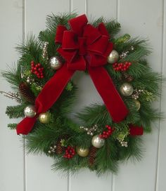Christmas wreath, xmas wreath, Holiday wreath,traditional pine wreath,gold and silver Christmas wr Silver Christmas, Christmas Art, Christmas Projects, Christmas Front Doors, Christmas Mesh Wreaths, Christmas Crafts, Christmas Decorations, Holiday Decor, Christmas Gadgets