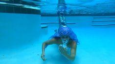 Love your life! Mermaid Videos, Mermaid Gifs, Mermaid Top, Mermaid Pictures, Vintage Mermaid, Mermaid Hair, Realistic Mermaid, Professional Mermaid, Heart Bubbles
