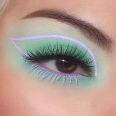 Creative Eye Makeup, Eye Makeup Art, Skin Makeup, Eyeshadow Makeup, Crazy Eye Makeup, Cool Makeup Looks, Cute Makeup, Pretty Makeup, Easy Makeup