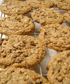 Looking for a healthy cookie to help satisfy that sweet tooth, but not throw you off track? Look no farther than this delicious cookie. It is gluten free and tastes delicious, plus it is quick and …
