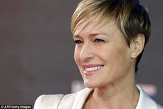 house of cards claires haircut - Hledat Googlem