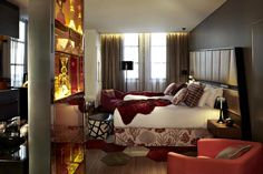"QT Sydney Boutique Hotel - ""A one-of-a-kind......cutting edge, quirky, eccentric......"""