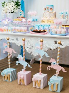 Carousel/Carnival Party with Pastels Carousel Birthday Parties, Carnival Themed Party, Circus Birthday, Unicorn Birthday Parties, Baby Birthday, Birthday Party Decorations, Baby Party, Baby Shower Parties, Baby Shower Themes