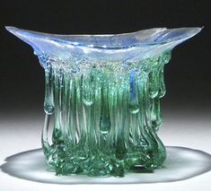 """Jellyfish"": Dripping Glass Tables Sculptures by Daniela Forti. Broken Glass Art, Sea Glass Art, Mosaic Glass, Fused Glass, Water Glass, Stained Glass, Glass Art Design, E Design, Melting Glass"