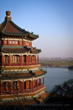 Day 7 - Summer Palace Pagoda, China is a palace in Beijing, China. The Summer Palace is mainly dominated by Longevity Hill and the Kunming Lake. #AviaPromo #Travelamania