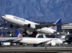 Boeing 777-222 - United Airlines | Aviation Photo #2758344 | Airliners.net