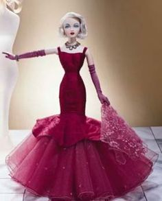 Gene: Unforgettable - Always liked this gown, should make it. Might have to buy more tulle tho