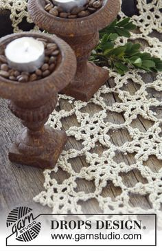"DROPS Christmas: Crochet DROPS table runner in ""Cotton Viscose"". ~ DROPS Design"