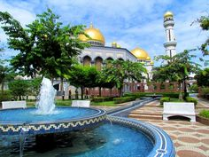 A short guide for discovering the Muslim Kingdom of Brunei Darussalam