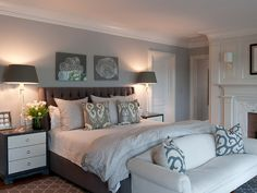 dark lampshades and valance to go with wall colour