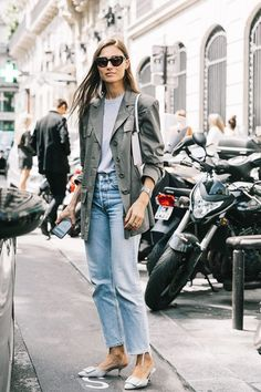 Update your denim look this season with 20 cute outfits to wear with jeans. Get inspired inside.