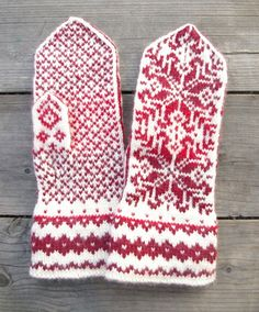 Wool Mittens - Red and White Gloves - Christmas Gloves with a Stars Ornament - Traditional Nordic Gloves - Gift - Winter Fashion nO Mittens Pattern, Knit Mittens, Knitted Gloves, Knitting Socks, Hand Knitting, Knitting Patterns, Wrist Warmers, Christmas Knitting, Knitting Projects