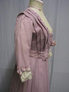 1910's EdwardianWool Dress with Ribbon Flowers