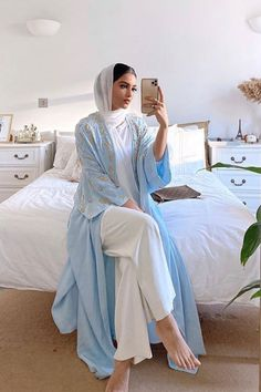 Fashion Tips For Guys .Fashion Tips For Guys Modest Outfits Muslim, Modest Fashion Hijab, Modern Hijab Fashion, Hijab Fashion Inspiration, Modest Wear, Abaya Fashion, Modesty Fashion, Mode Old School, Muslim Women Fashion