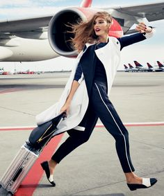 How to Look Great Coming Off the Plane, By the Minutes