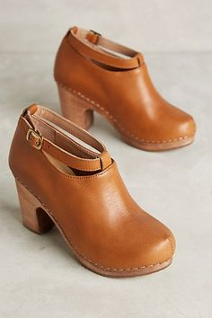Cubanas Hanka Clogs #anthropologie