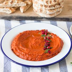 Muhammara & pepper and walnut dip. It's pepper season and what better way to celebrate than with a plate of muhammara - pepper and walnut dip (in English and Polish) Healthy Vegan Snacks, Vegetarian Recipes, Cooking Recipes, Healthy Recipes, Free Recipes, Healthy Eating, Muhammara Recipe, Turkish Recipes, Ethnic Recipes