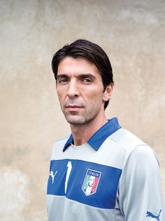 Gianluigi Buffon: Destiny and short sleeves with the world's most expensive keeper