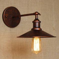Historické nástenné svietidlo s tienidlom v medenej farbe6