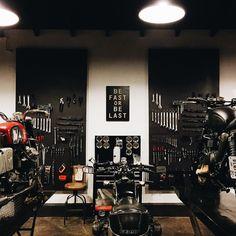 Les garages et les pièces mécaniques d'ici et d'ailleur.... - Page 34