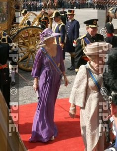 16-09-2008 The Hague Prinsjesdag Queen Beatrix, Prince Willem Alexander and Princess Maxima (creation of Herbert Rouwers)arrive at the Hall of Knights ...