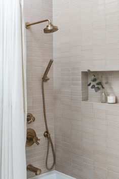 Bad Inspiration, Decoration Inspiration, Bathroom Inspiration, Decor Ideas, Bathroom Renos, Laundry In Bathroom, Bathroom Ideas, Master Bathroom, Master Shower Tile