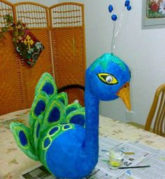 Paper mache craft ideas for kids, preschoolers, and adult. Paper mache projects for Christmas, Easter, Thanksgiving, Halloween. Easy projects. 40 craft ideas for making animals, angels, snowmen, bowls