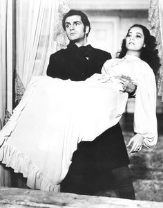 Laurence Olivier and Merle Oberon in Wuthering Heights, 1939. Via http://hollywoodlady.tumblr.com/