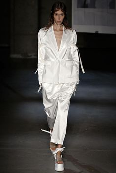 MM6 Maison Martin Margiela Spring 2015 Ready-to-Wear - Collection - Gallery - Look 1 - Style.com