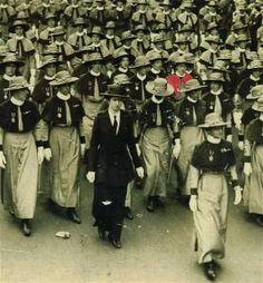 Scarlet Finders: British Military Nurses