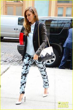 Jessica Alba: Michael Kors jacket, Jenni Kayne printed pants and shirt, Christian Louboutin shoes, and carried a Roger Vivier bag.