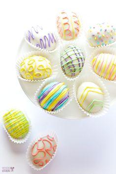4-Ingredient Easter Egg (Golden) Oreo Truffles | gimmesomeoven.com