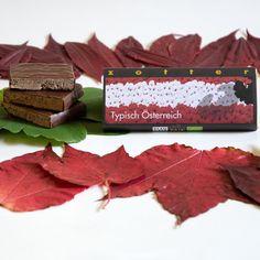 *Typisch Österreich* eine unsere beliebtesten handgeschöpften Schokoladen <3 Kakao, Austria, Place Cards, Place Card Holders, Milky Bar Chocolate, Homemade