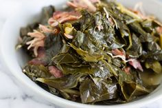These Southern Style Pressure Cooker Collard Greens Are Flavorful, Tender, And Cooked In Half The Time Than The Stove Top Method. Presently You Can Enjoy Collard Greens Any Day Of The Week Cooking Collard Greens, Southern Collard Greens, Kale Greens Recipe Southern, Cooked Greens Recipe, Mixed Greens Recipe, Vegetarian Cooking, Cooking Recipes, Cooking Okra, Salads