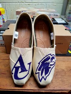 the best attitude 19f53 c4a52 Asbury University Eagles hand painted Tom s