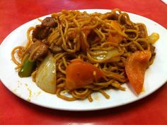 Tomato beef chow mein | Cheung Hing