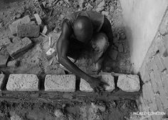 The blessing of work. Laying bricks in Chad. Photojournalism, People Around The World, Bricks, Diversity, Blessing, Pairs, Culture, Building, Photography