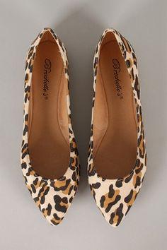 Breckelle Talia-01 Leopard Pointy Toe Ballet Flat